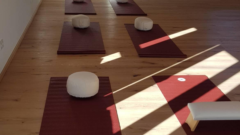Von der Anspannung in die Entspannung mit Hatha-Yoga